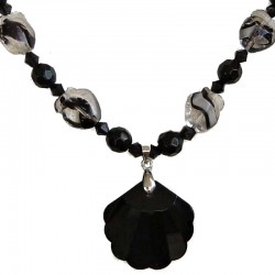 Handcrafted Classic Costume Jewellery Accessories, Fashion Young Women Girls Small Gift, Black Shell Shaped Bead Necklace