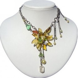 Gold Flower Marigold Fashion Necklace