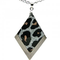 Costume Jewellery. Leopard Animal Print Silver Plated Rhombus Pendant with Chain Necklace