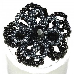 Handcrafted Bead Unique Costume Jewellery, Fashion Women Girls Gift, Black & Grey Beaded Daisy Flower Ring